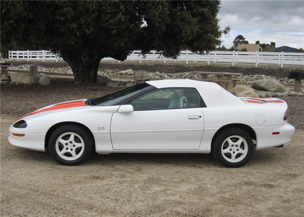 1997 CHEVROLET CAMARO SS CONVERTIBLE - Side Profile - 90899