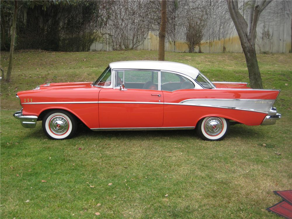 1957 CHEVROLET BEL AIR 2 DOOR HARDTOP COUPE - Side Profile - 90915