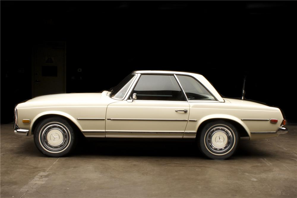 1970 MERCEDES-BENZ 280SL CONVERTIBLE - Side Profile - 90918