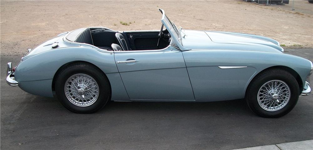 1961 AUSTIN-HEALEY 3000 BT7 ROADSTER - Side Profile - 90920