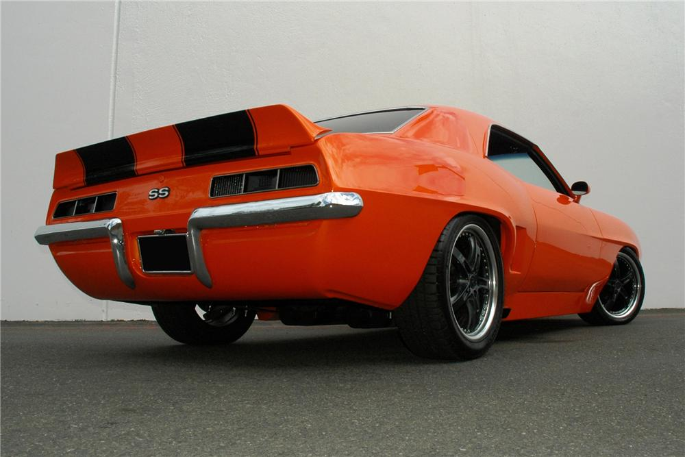 1969 CHEVROLET CAMARO SS CUSTOM COUPE - Rear 3/4 - 90930