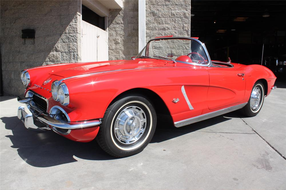 1962 CHEVROLET CORVETTE CONVERTIBLE - Front 3/4 - 90933