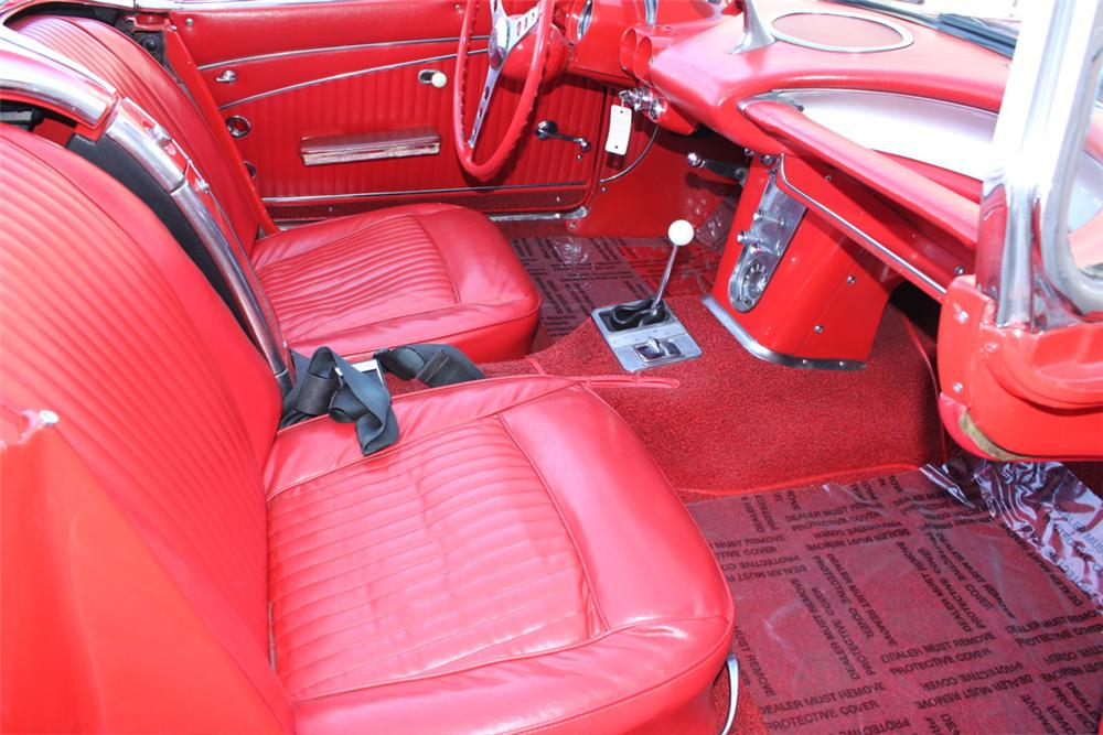 1962 CHEVROLET CORVETTE CONVERTIBLE - Interior - 90933