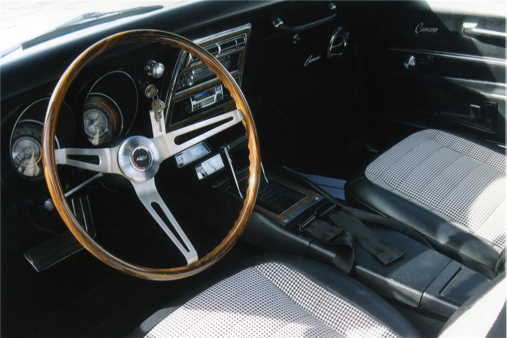 1968 CHEVROLET CAMARO RS 2 DOOR COUPE - Interior - 90948