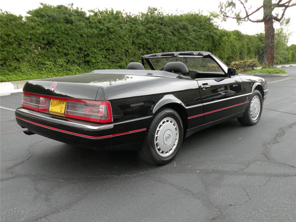 1992 CADILLAC ALLANTE CONVERTIBLE - Rear 3/4 - 90954