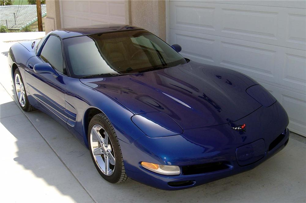 2002 CHEVROLET CORVETTE COUPE - Front 3/4 - 90979