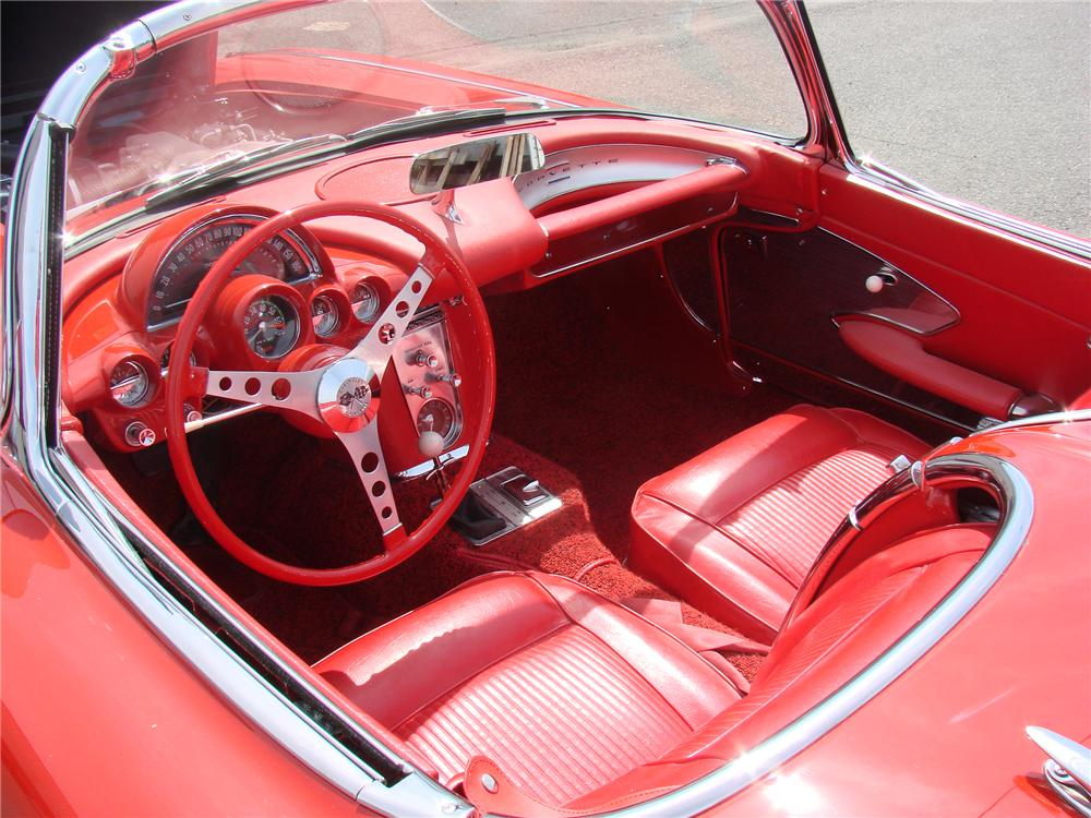 1961 CHEVROLET CORVETTE CONVERTIBLE - Interior - 90984