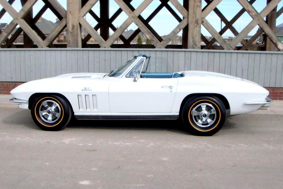 1966 CHEVROLET CORVETTE 2 DOOR CONVERTIBLE - Side Profile - 90986