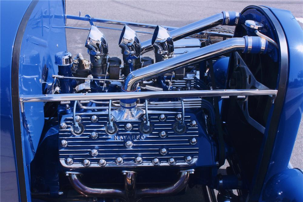 1932 FORD ROADSTER HOT ROD - Engine - 90989