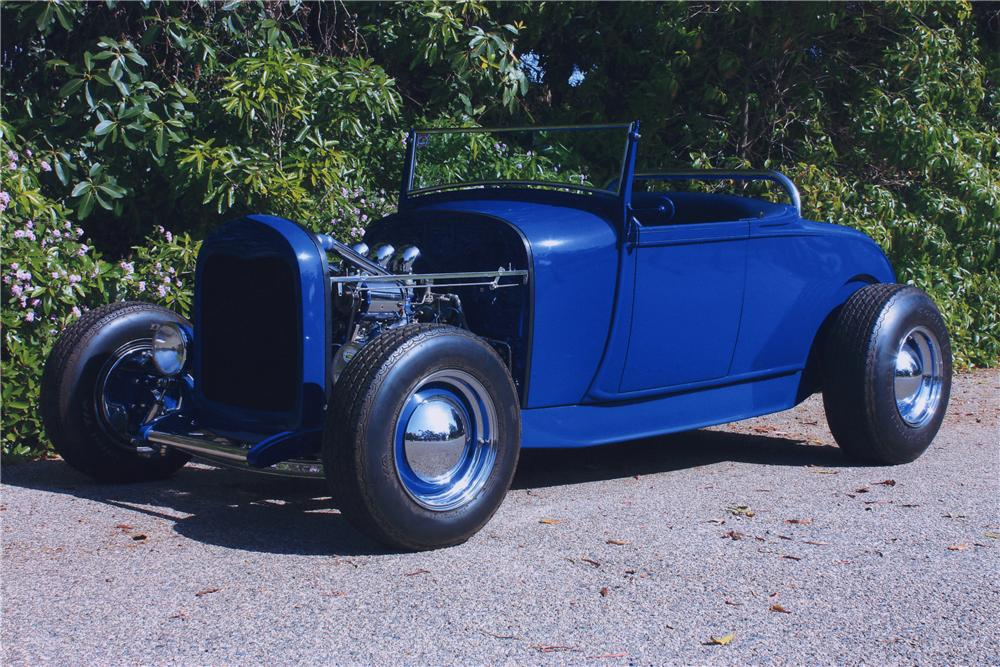 1932 FORD ROADSTER HOT ROD - Front 3/4 - 90989