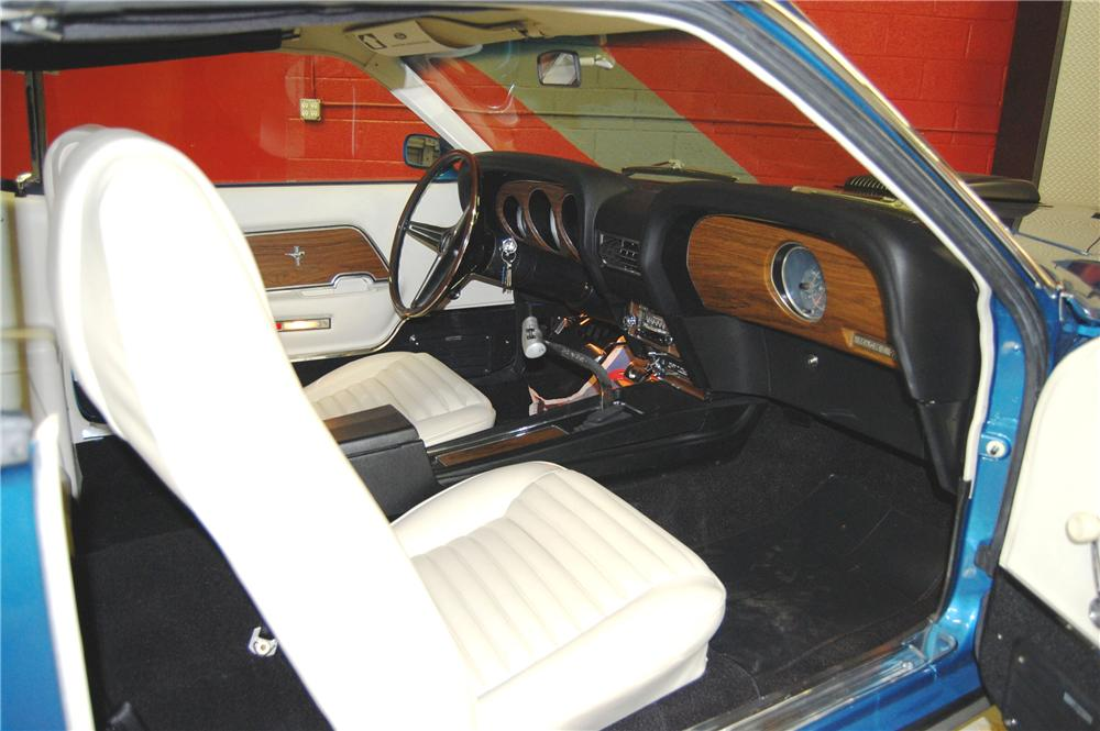 1970 FORD MUSTANG MACH 1 2 DOOR FASTBACK - Interior - 91044