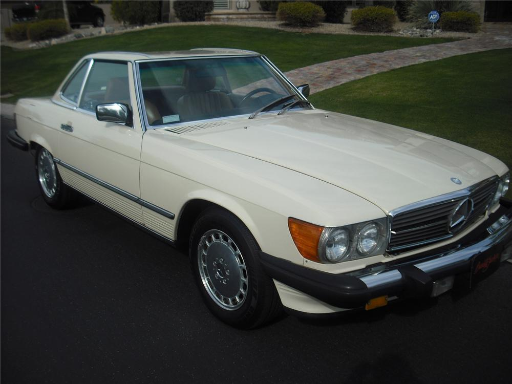 1986 mercedes benz 560sl 2 door convertible 91047 for Mercedes benz 4 door