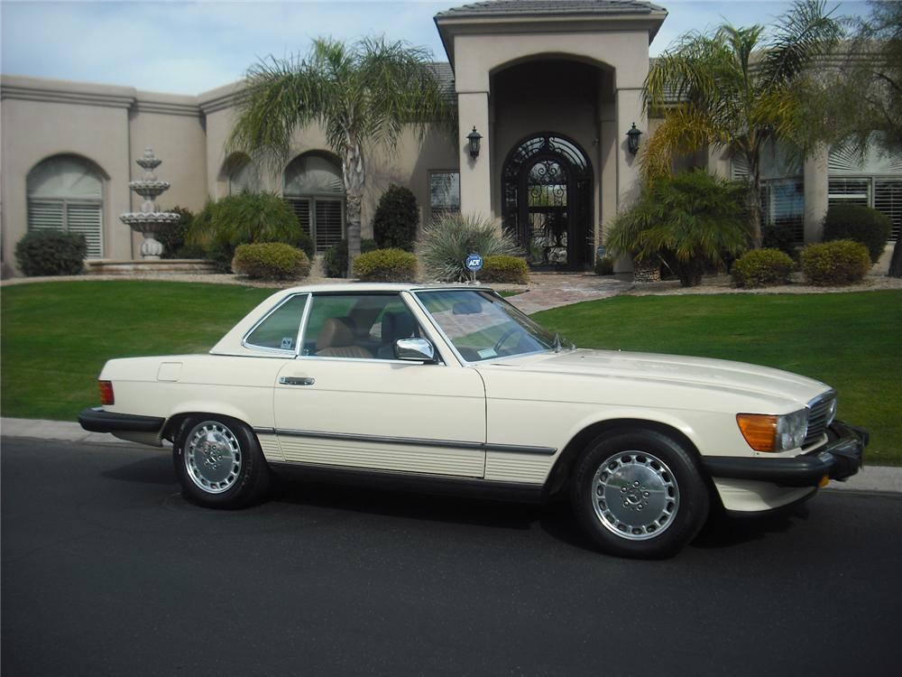 1986 MERCEDES-BENZ 560SL 2 DOOR CONVERTIBLE - Side Profile - 91047