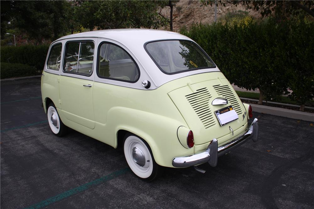 1959 FIAT MULTIPLA MODEL 600 VAN MICRO CAR - Rear 3/4 - 91057