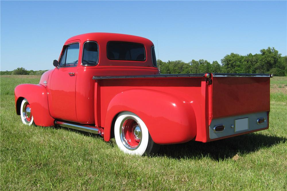 1954 GMC 100 DELUXE CUSTOM PICKUP - Rear 3/4 - 91063
