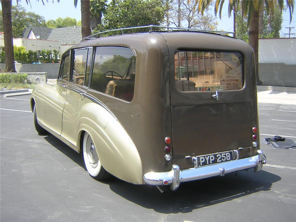 1955 ROLLS-ROYCE SILVER WRAITH ESTATE WAGON - Rear 3/4 - 91069