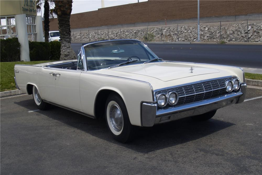 1962 LINCOLN CONTINENTAL CONVERTIBLE - Front 3/4 - 91080