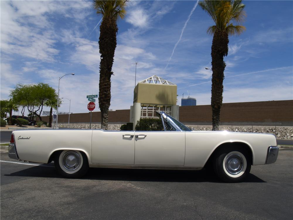 1962 LINCOLN CONTINENTAL CONVERTIBLE - Side Profile - 91080