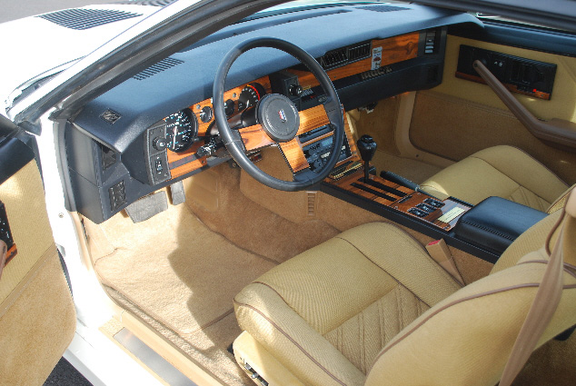 1987 CHEVROLET CAMARO Z/28 CUSTOM COUPE - Interior - 91111