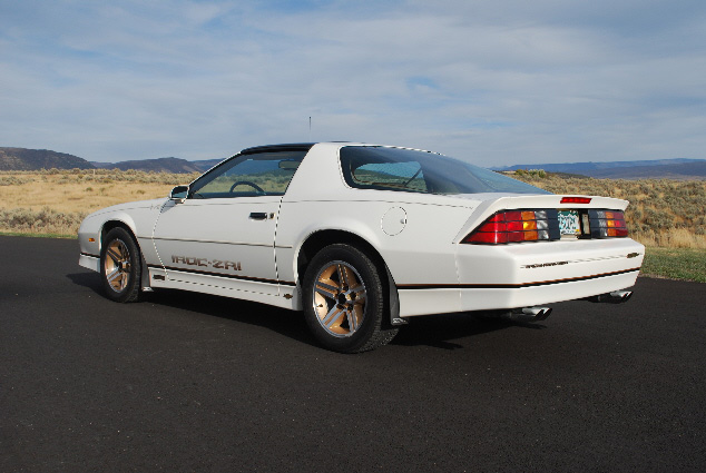 1987 CHEVROLET CAMARO Z/28 CUSTOM COUPE - Rear 3/4 - 91111