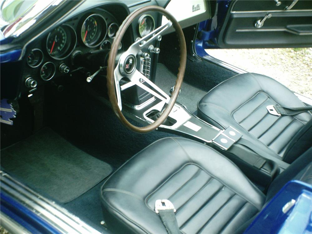 1966 CHEVROLET CORVETTE CONVERTIBLE - Interior - 91123