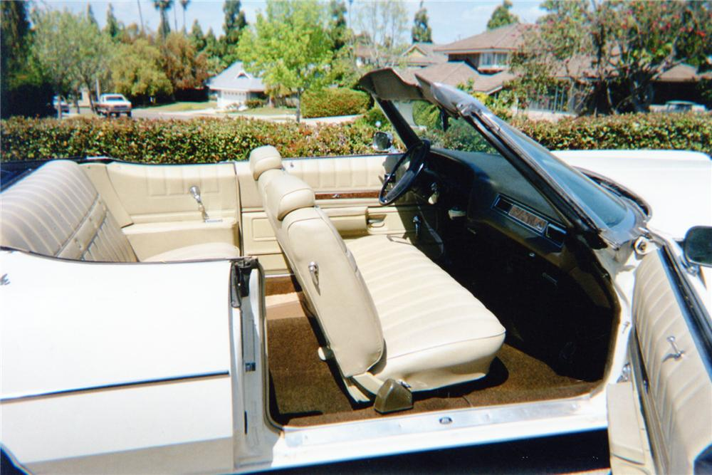 1972 CHEVROLET IMPALA CONVERTIBLE - Interior - 91148