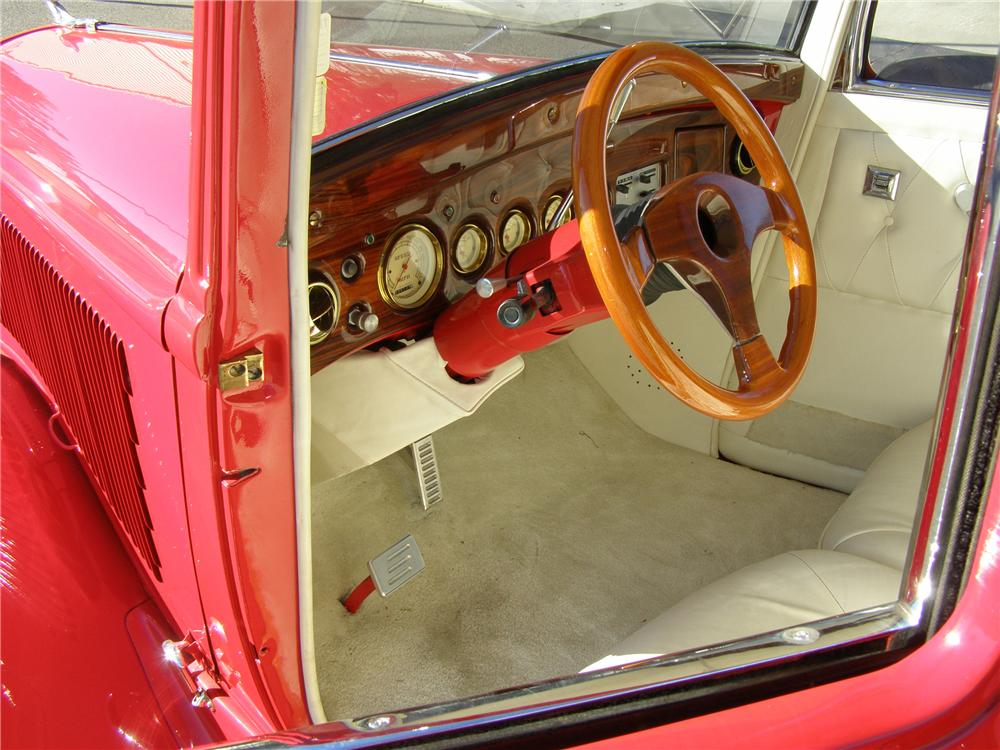 1933 PLYMOUTH CUSTOM COUPE - Interior - 91149