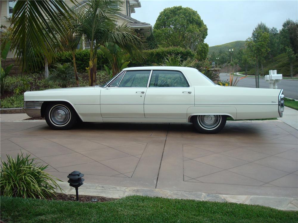 1965 CADILLAC CALAIS 4 DOOR SEDAN - Side Profile - 91171