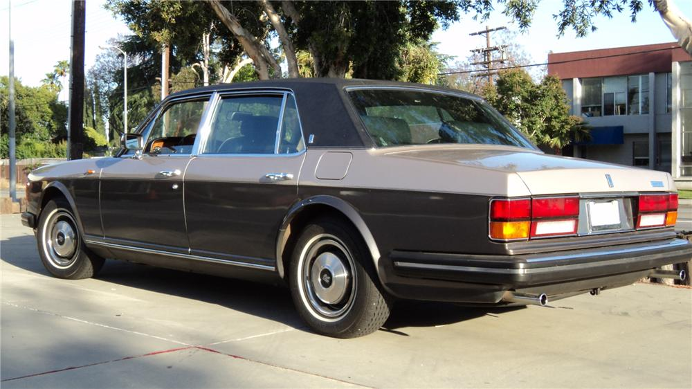 1982 ROLLS-ROYCE SILVER SPUR 4 DOOR - Rear 3/4 - 91200