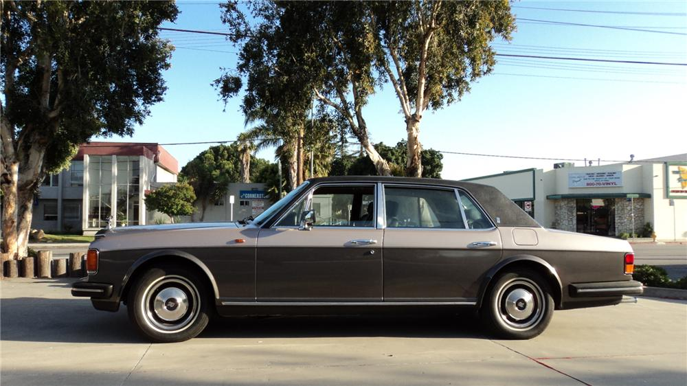 1982 ROLLS-ROYCE SILVER SPUR 4 DOOR - Side Profile - 91200