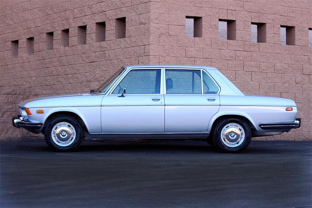 1971 BMW 3.0 S BAVARIA SEDAN - Side Profile - 91204