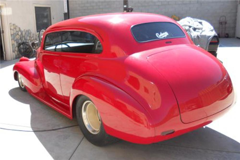 1940 CHEVROLET DELUXE STREET ROD 2 DOOR COUPE - Rear 3/4 - 91206