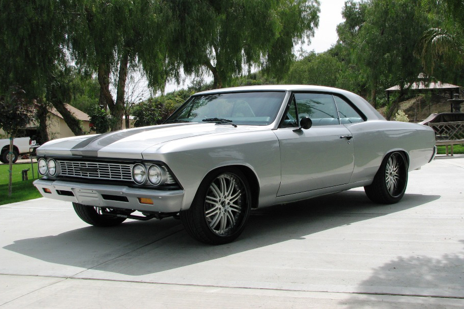 1966 CHEVROLET CHEVELLE CUSTOM COUPE - Front 3/4 - 91209