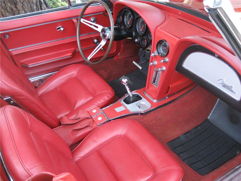 1965 CHEVROLET CORVETTE CONVERTIBLE - Interior - 91211