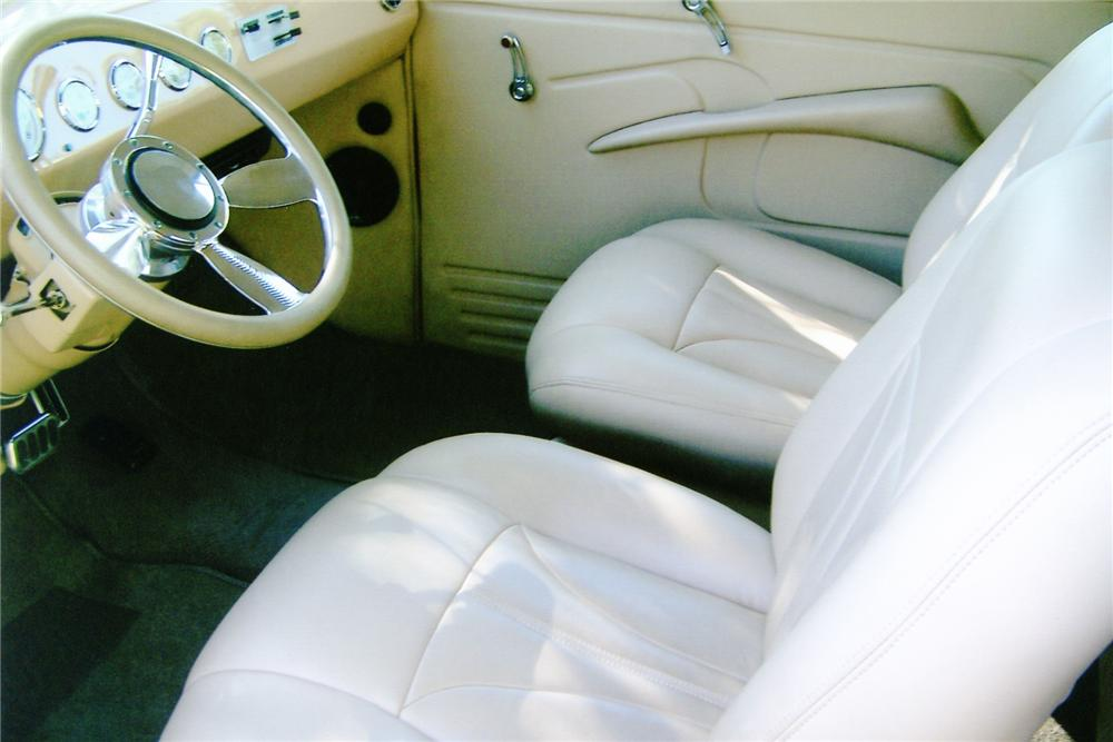 1947 FORD CUSTOM CLUB COUPE - Interior - 91213