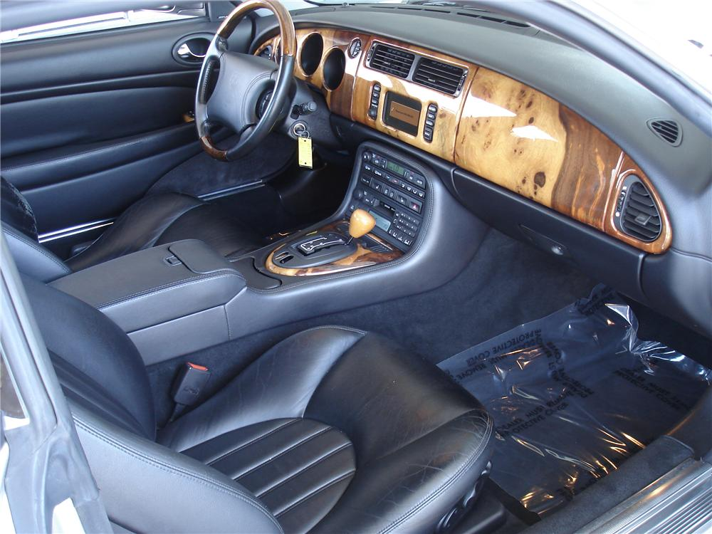 2000 JAGUAR XK 8 COUPE - Interior - 91217