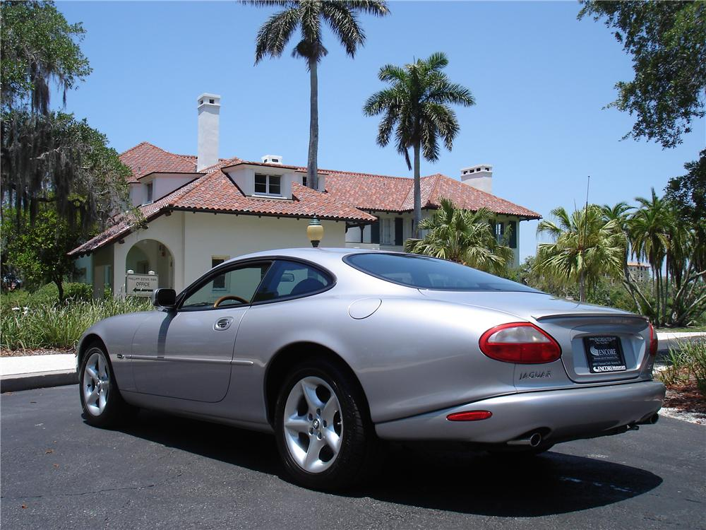 2000 JAGUAR XK 8 COUPE - Rear 3/4 - 91217