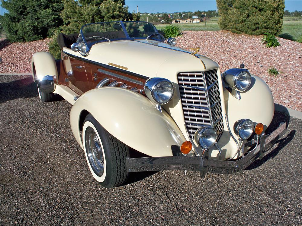 1935 AUBURN BOATTAIL SPEEDSTER RE-CREATION - Front 3/4 - 91233