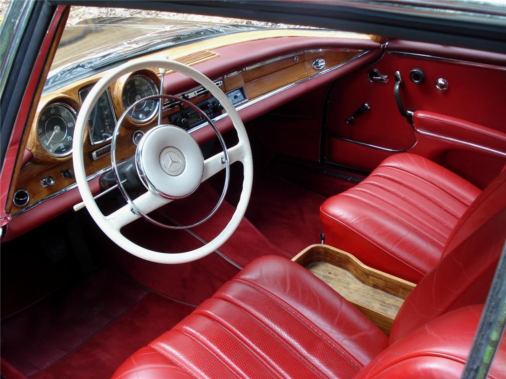 1962 MERCEDES-BENZ 220SE COUPE - Interior - 91351