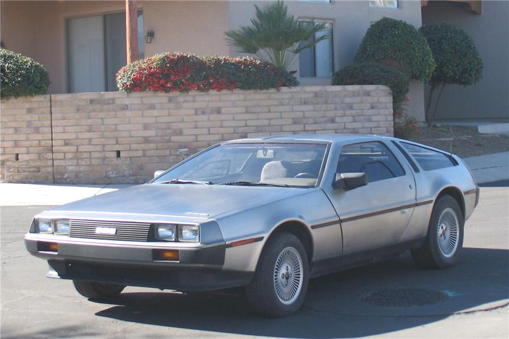 1983 DELOREAN DMC-12 GULLWING COUPE - Front 3/4 - 91383