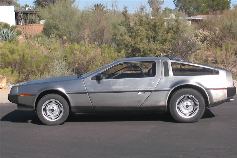 1983 DELOREAN DMC-12 GULLWING COUPE - Side Profile - 91383