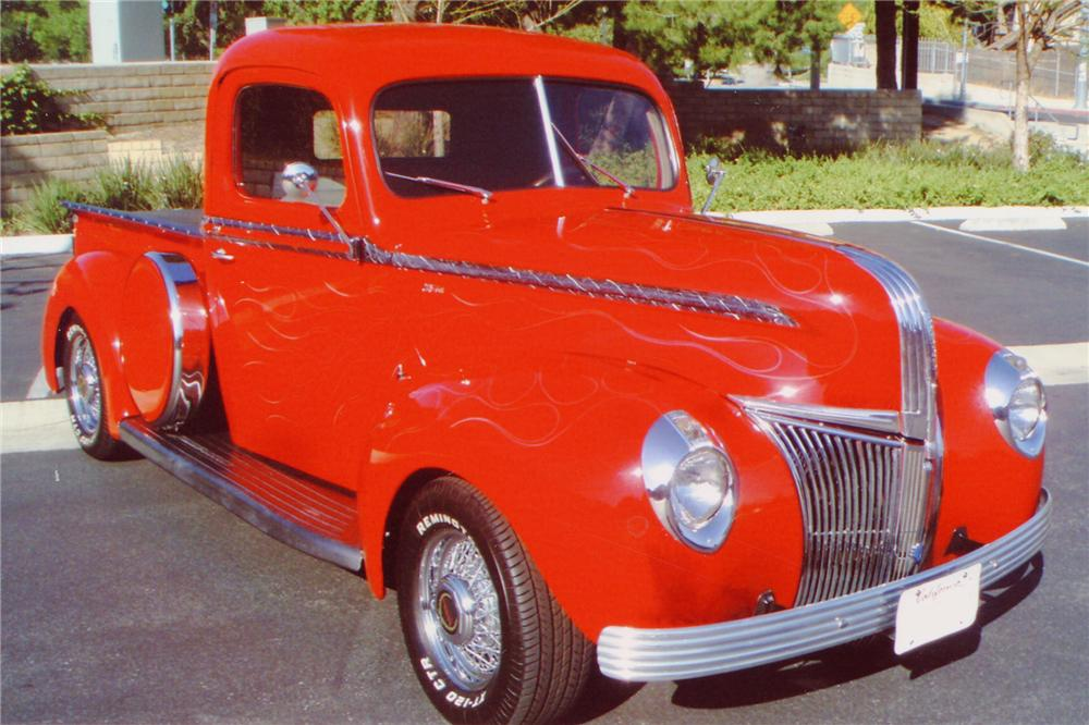 1941 FORD CUSTOM PICKUP - Front 3/4 - 91459