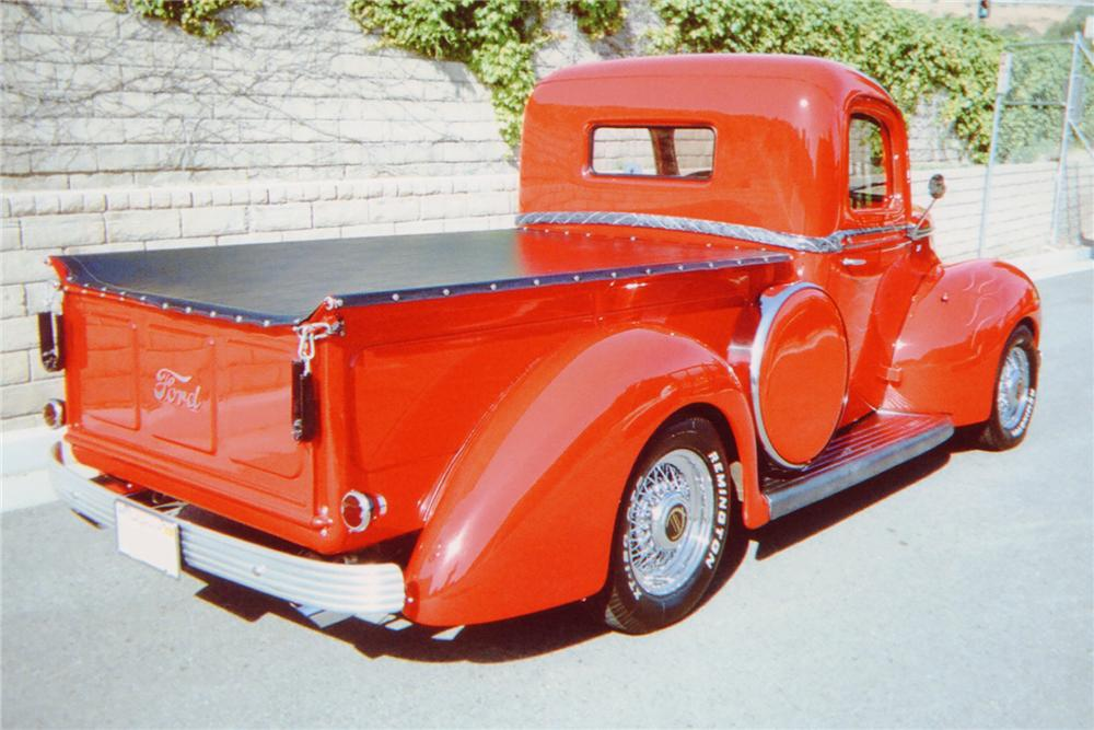 1941 FORD CUSTOM PICKUP - Rear 3/4 - 91459