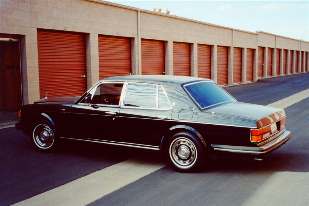 1985 ROLLS-ROYCE SILVER SPIRIT 4 DOOR SEDAN - Rear 3/4 - 91670
