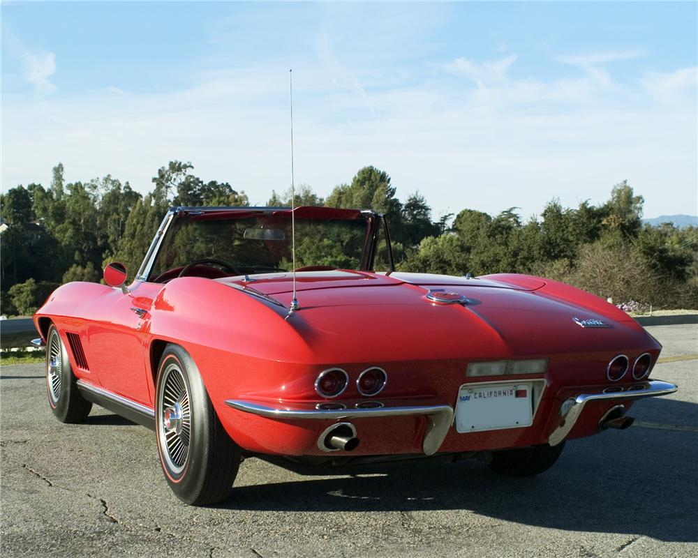 1967 CHEVROLET CORVETTE CONVERTIBLE - Rear 3/4 - 91676