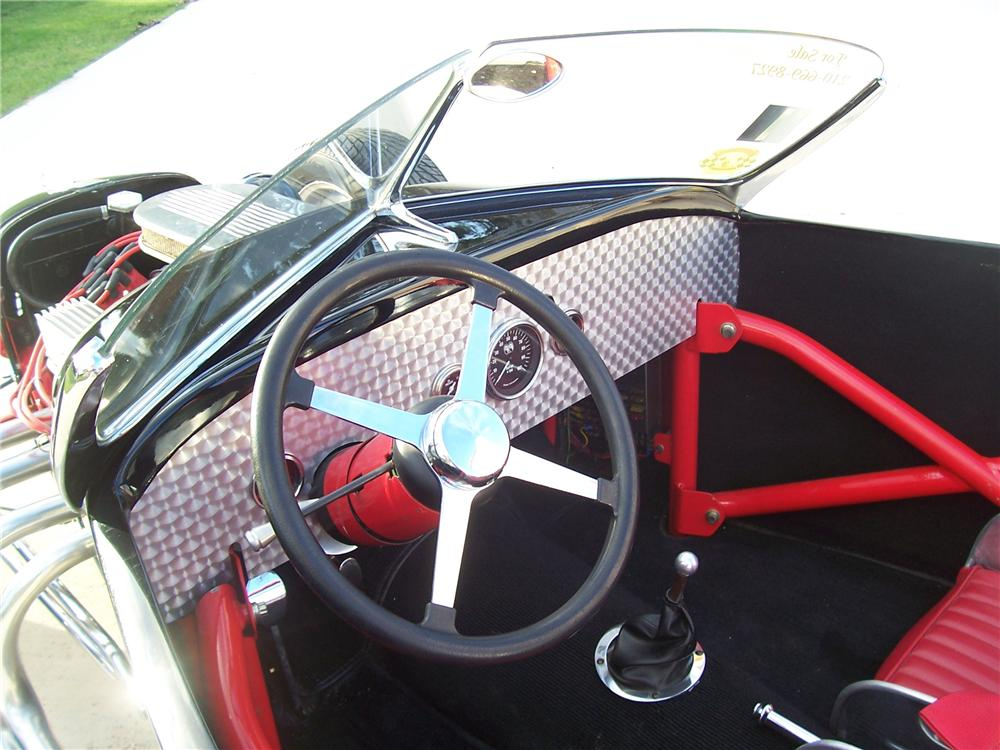 1927 FORD ROADSTER - Interior - 91701