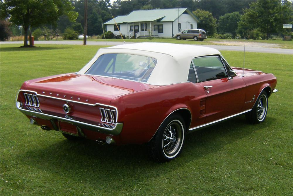 1967 FORD MUSTANG CONVERTIBLE - Rear 3/4 - 91714