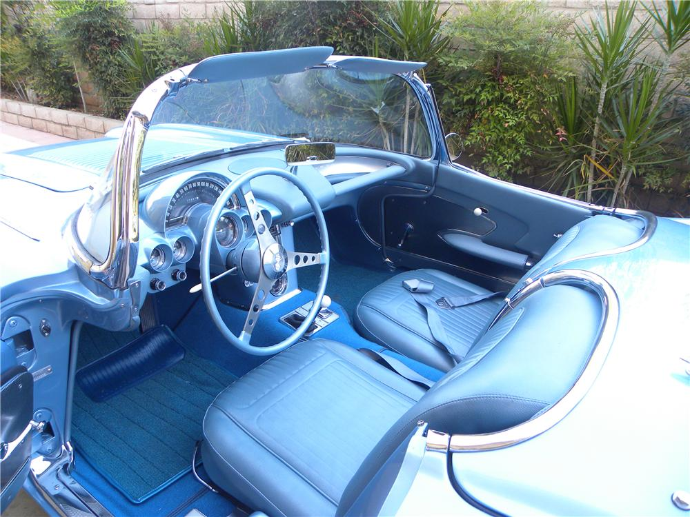 1958 CHEVROLET CORVETTE CONVERTIBLE - Interior - 91750