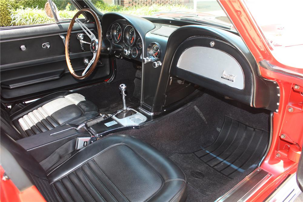 1967 CHEVROLET CORVETTE COUPE - Interior - 93221