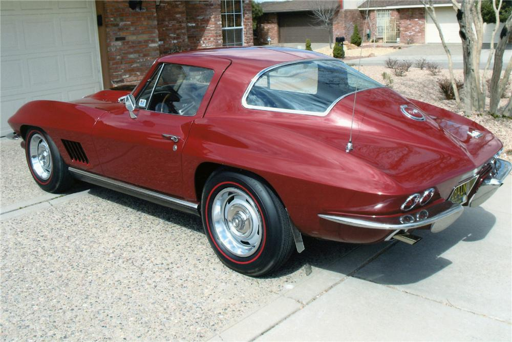 1967 CHEVROLET CORVETTE COUPE - Rear 3/4 - 93240